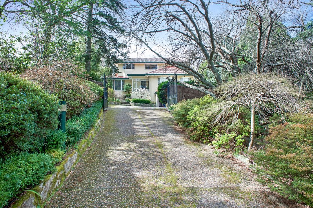 Image of property at 98 Gladstone Road, Leura NSW 2780