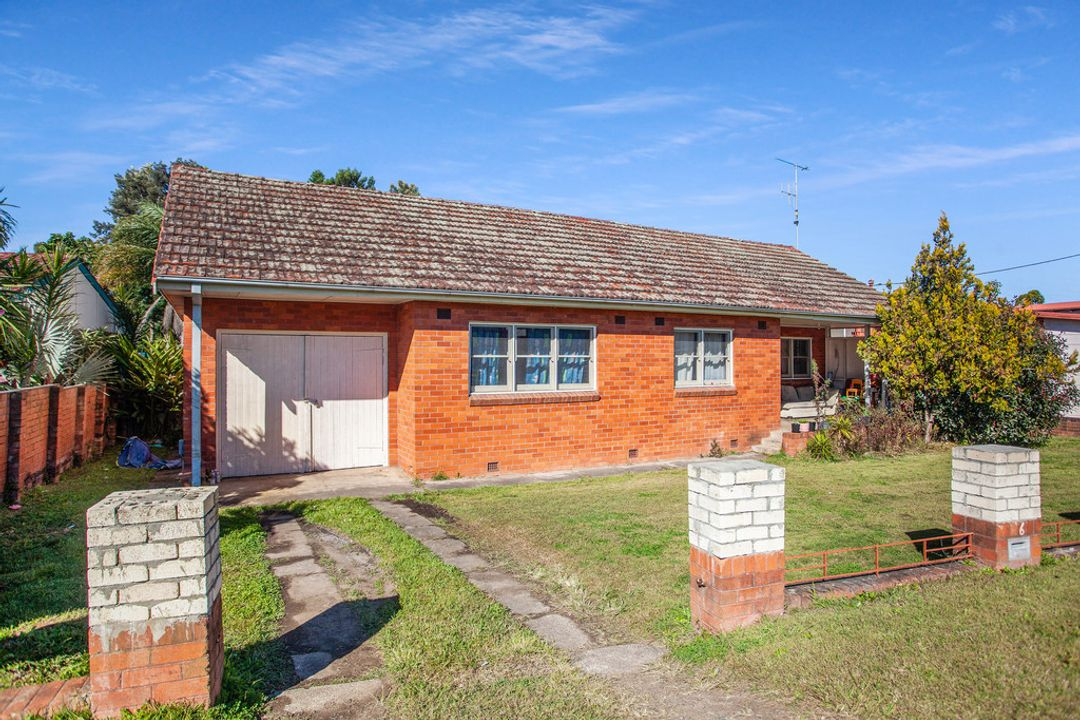 Image of property at 6 Crescent Avenue, Taree NSW 2430