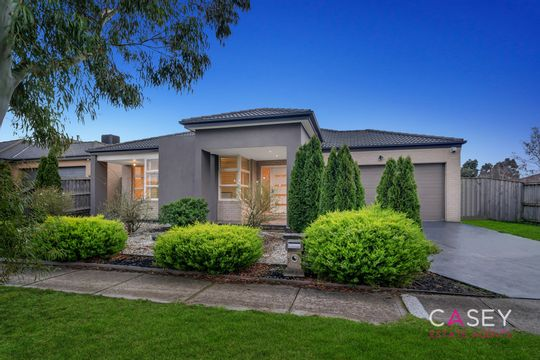 Image of property at 51 Yammerbook Way, Cranbourne East VIC 3977